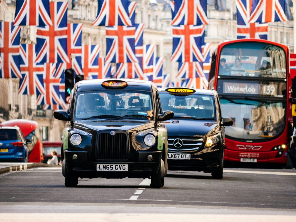 Black-cabs-at-heathrow-airport